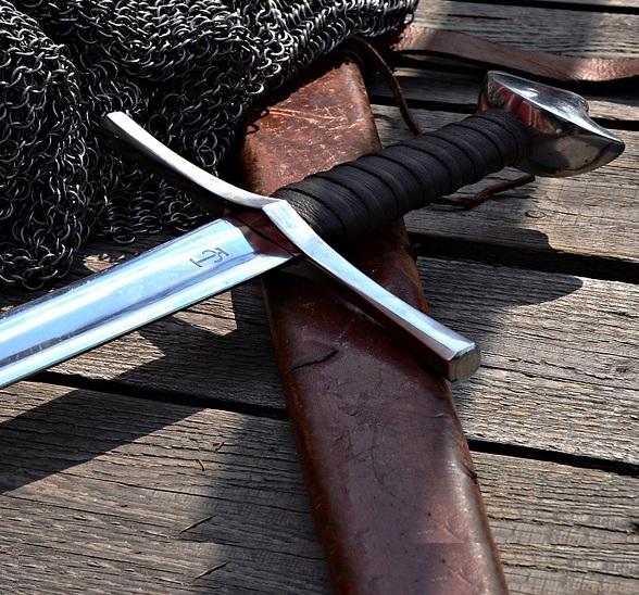 Online-Shop für Schwerter, Katanas, Mittelalter Schwerter, Morgenstern, Klingen, Samurai-Schwert kaufen Schweiz
