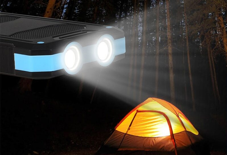 Shock-Proof Solar-Powerbank LED